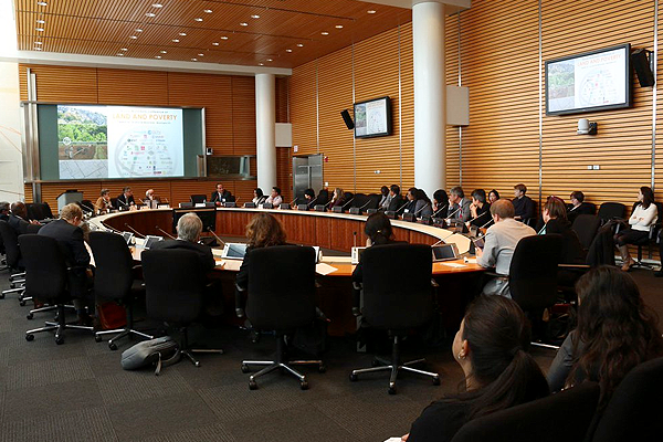 Conferência sobre Terra e Pobreza na sede do Banco Mundial