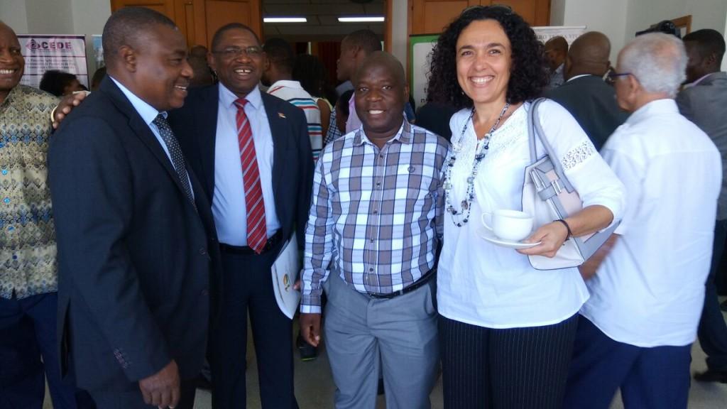 Marisa Balas com representantes da DINAT (Direcção Nacional de Terras)